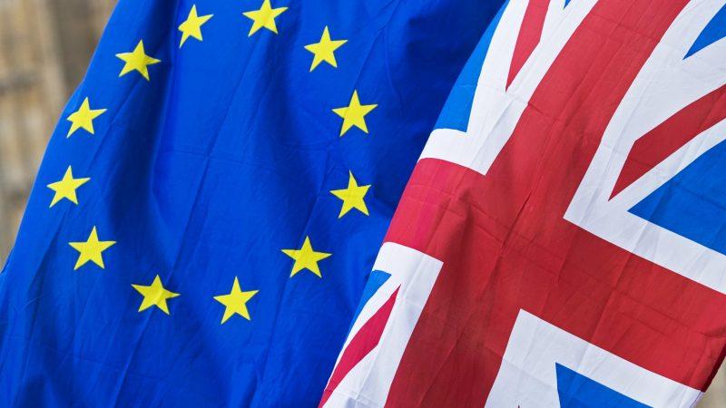 banderas del Reuno Unido y la UE