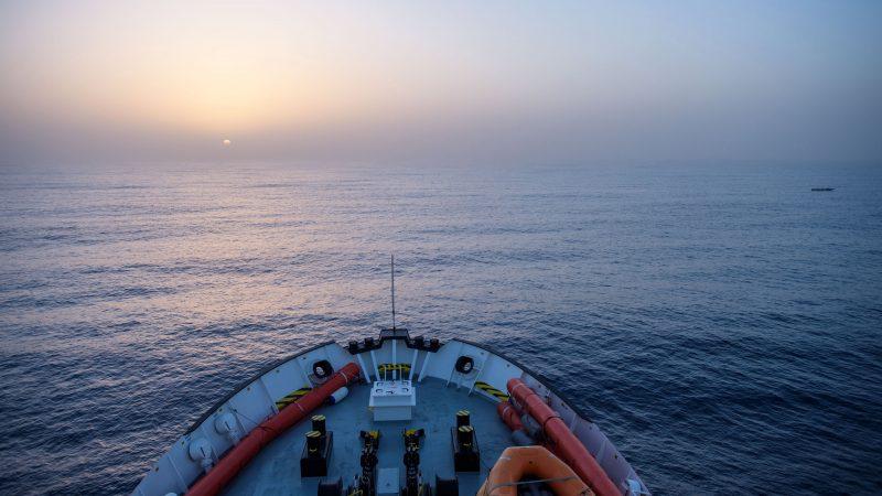 Patrullas de rescate de la ONG 'SOS Mediterranée' cerca de Libia